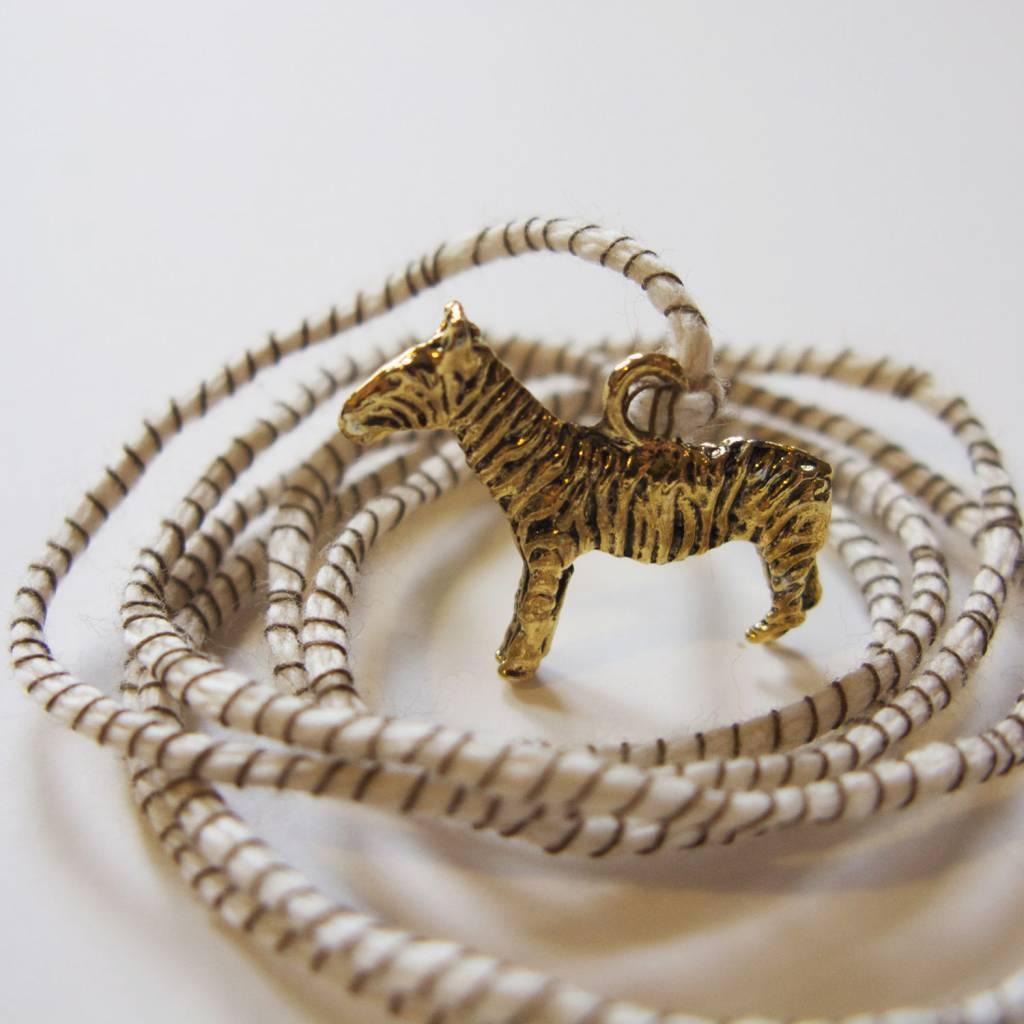 ATSUYO ET AKIKO zebra ribbon necklace natural + brown string