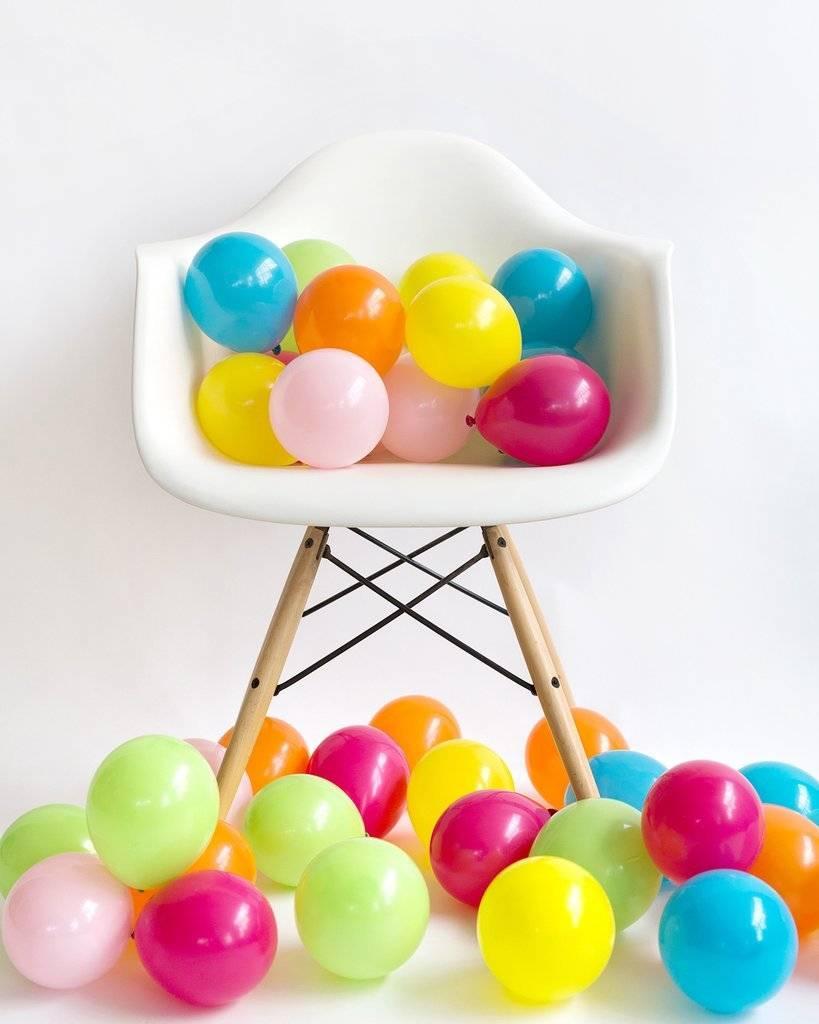 KNOT & BOW rainbow mini balloons