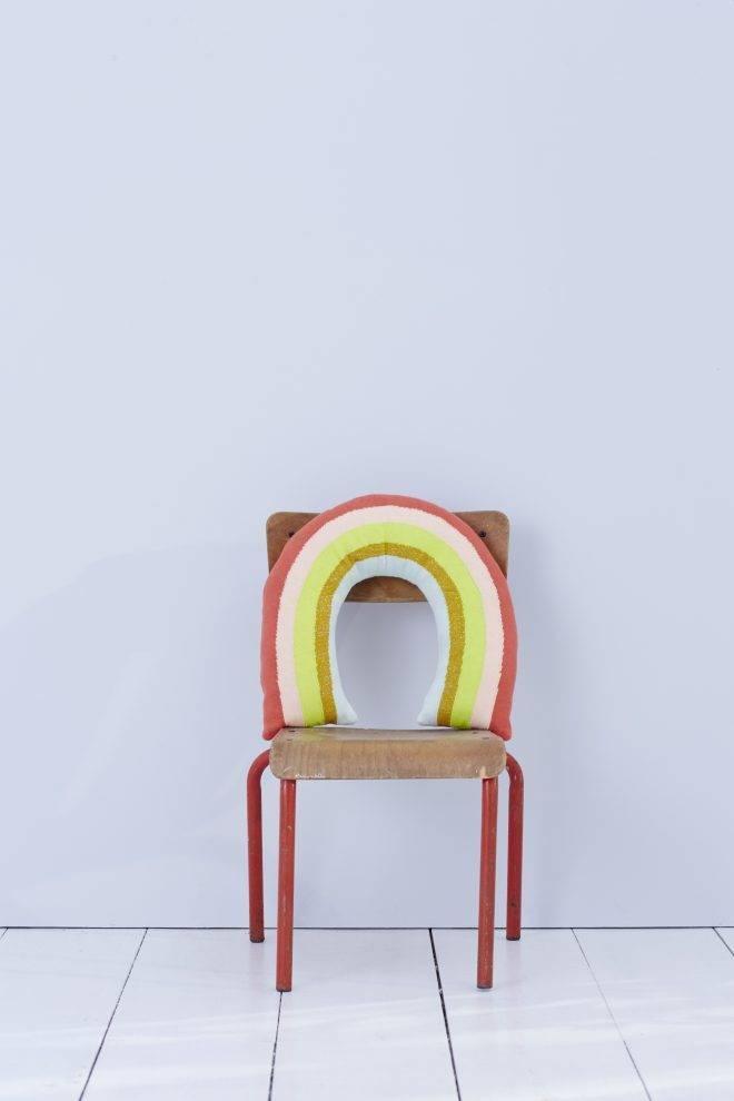MERIMERI Knitted rainbow cushion