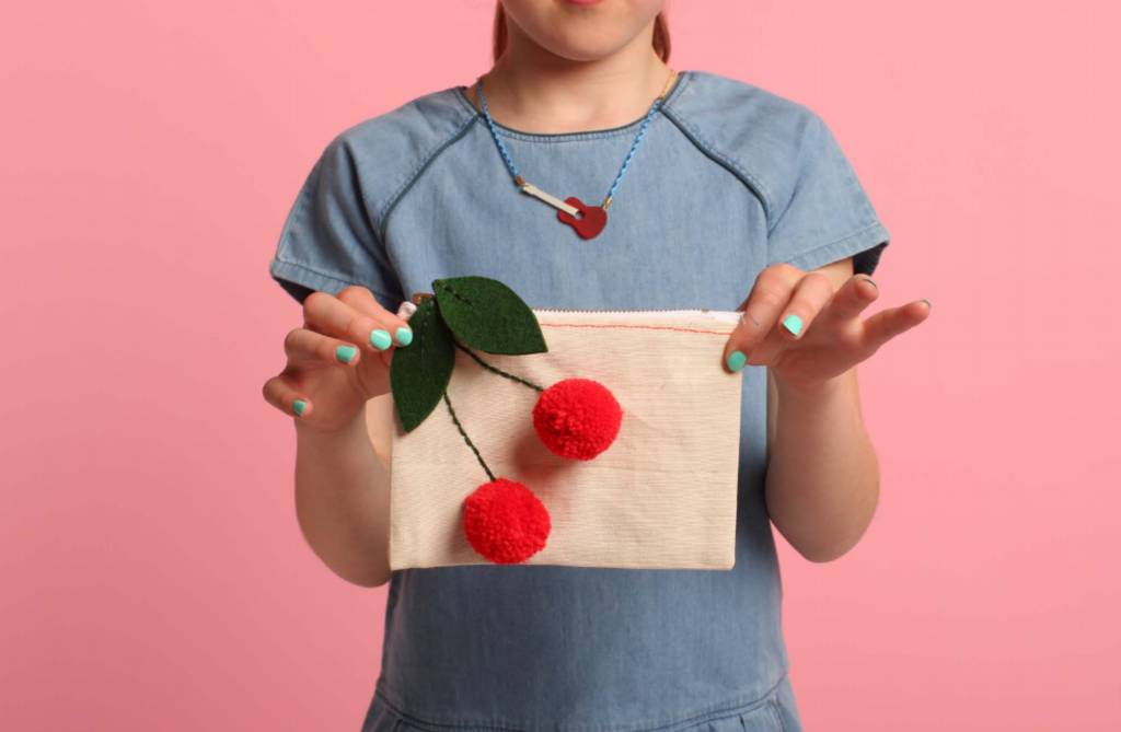 MERIMERI Cherries pouch