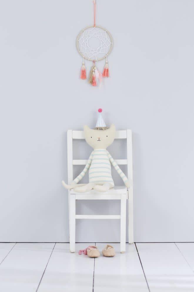 MERIMERI Knitted cat character cushion