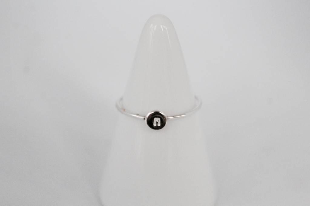 MVD framily ring initial silver