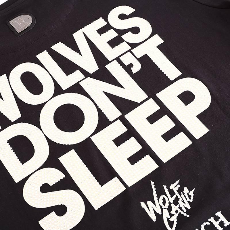 D-Rich WolfGang TM - Wolves don't sleep