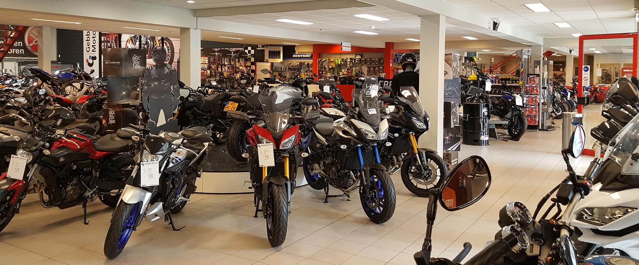 Gebben Motoren showroom binnen