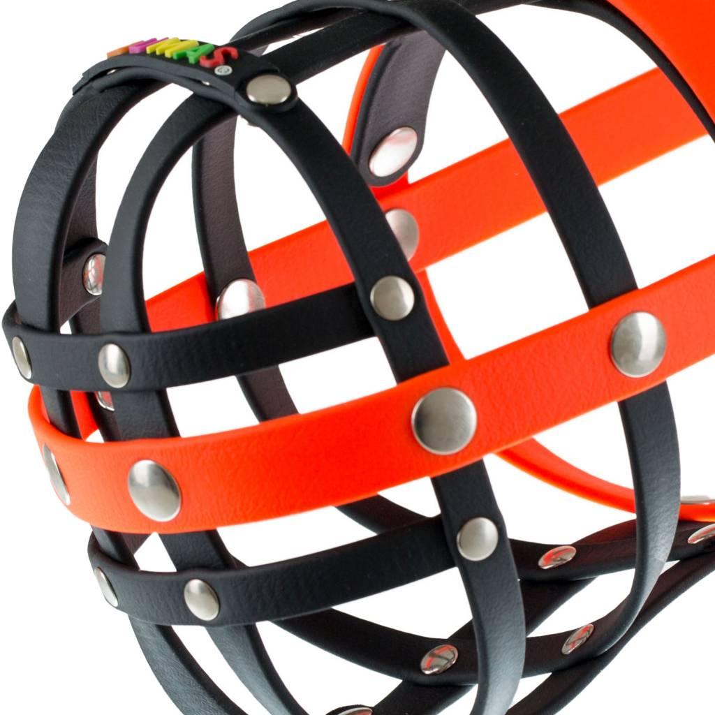 BUMAS - das Original. BUMAS bozal a medida de BioThane® para un Border Collie, negro/naranja neón