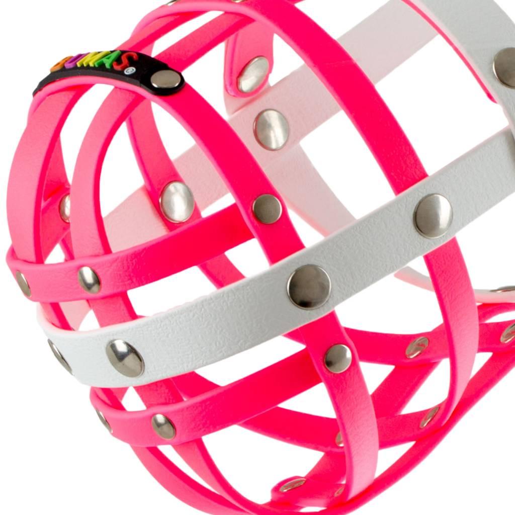 BUMAS - das Original. BUMAS Maulkorb für Weimaraner aus BioThane®, pink/weiß