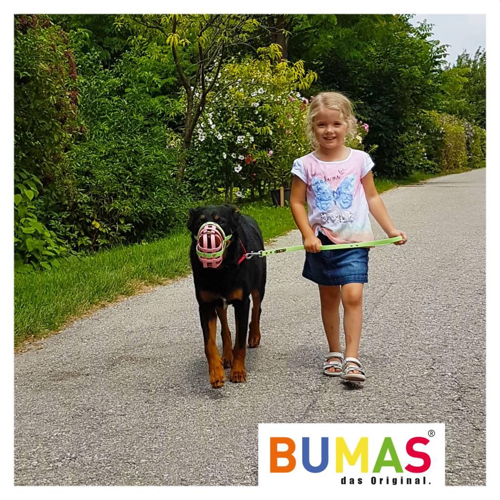 BUMAS - das Original. BUMAS - control - der Kurzführer aus BioThane® in neongrün