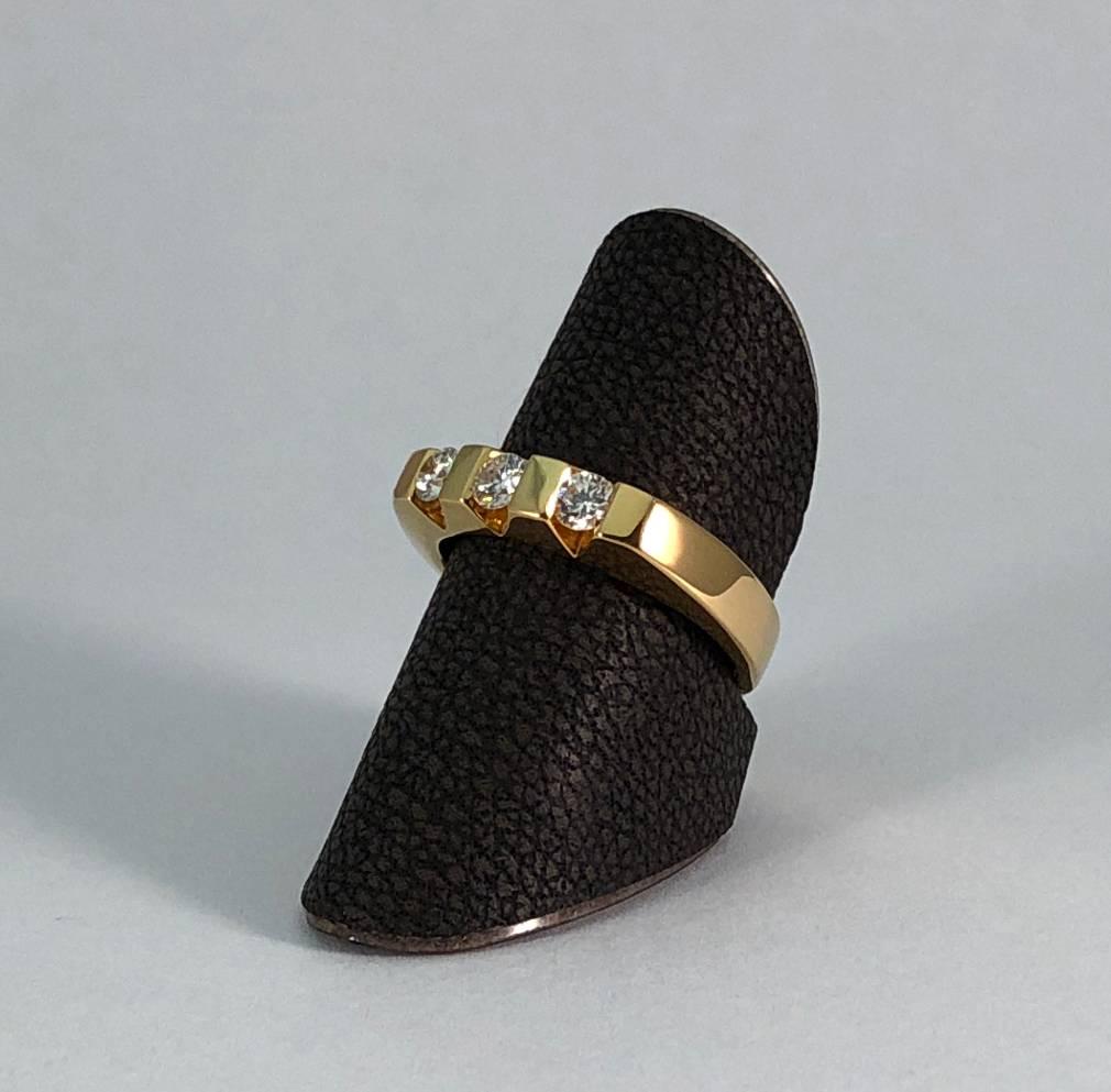 18 kt. gouden ring met 3 diamanten 0.40 ct.