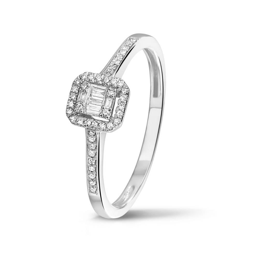 Private Label CvdK Een 14 kt. wit gouden ring met briljant en baguette geslepen diamanten 0.12 ct. H/SI