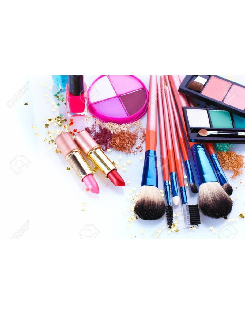 Multiple items makeup set