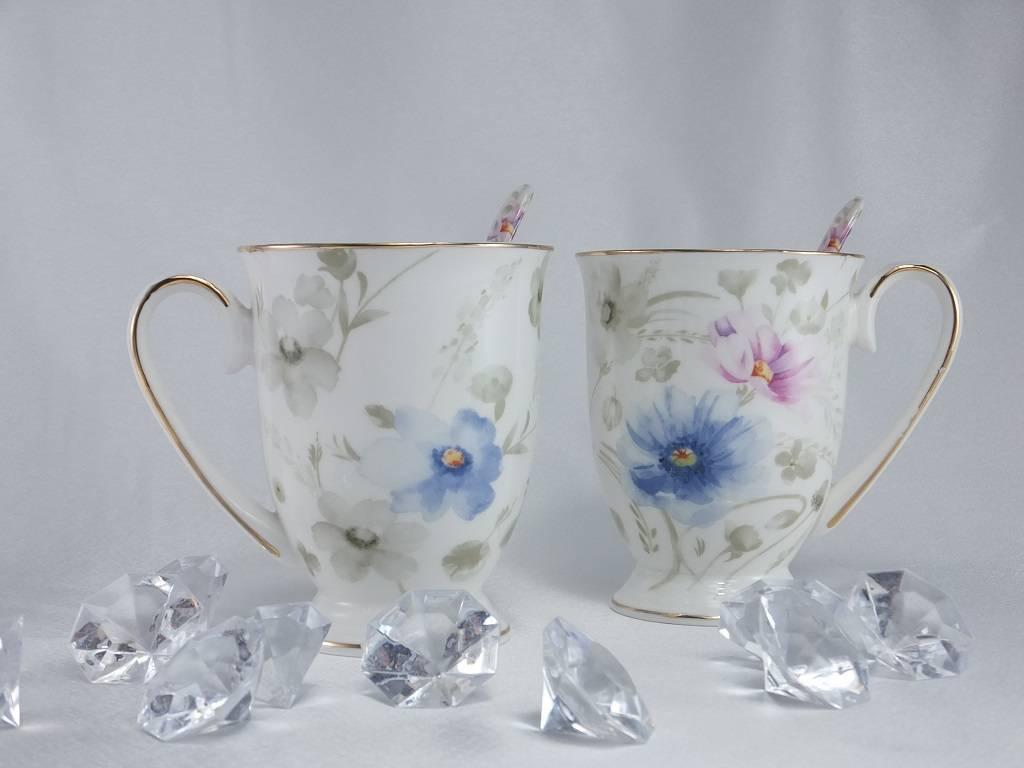 Queen Isabell -1991 Piaf - hochwertige Porzellantassen in Fein Bone Chna