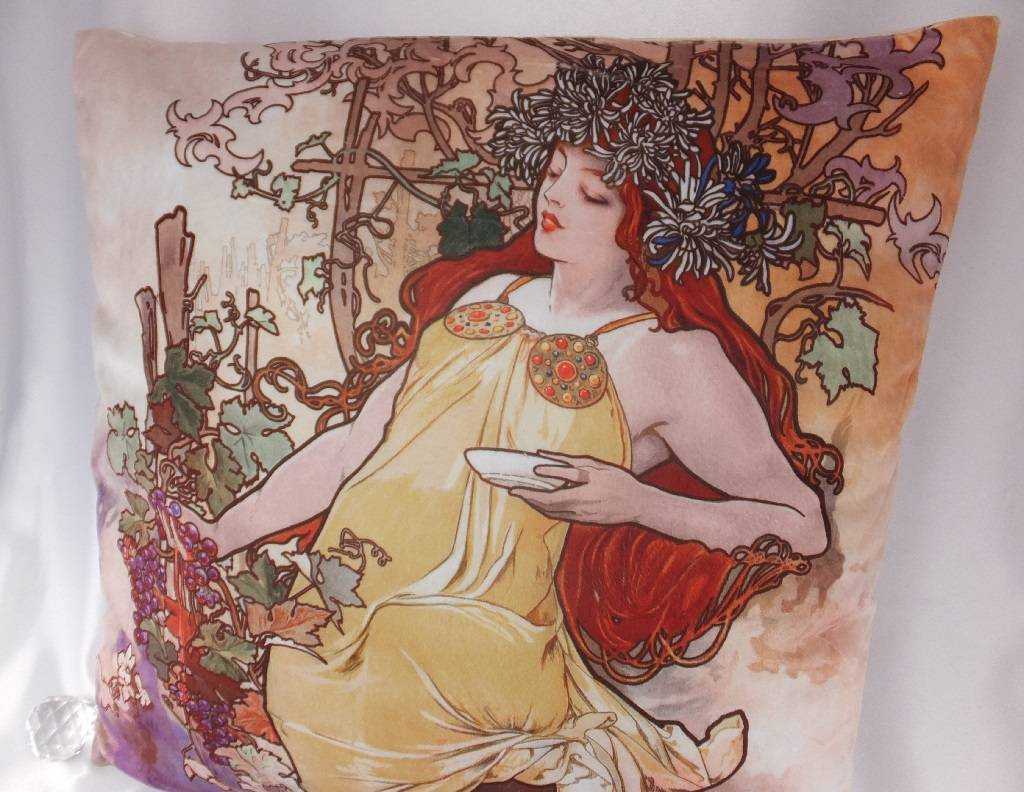 CARMANI - elegante Porzellanserien in Limited Edition. Alfons Mucha - Dekorationskissen - The Four Seasons - Herbst
