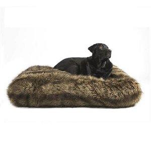 Lex & Max Hondenkussen Ligzak Royal Fur Wolf