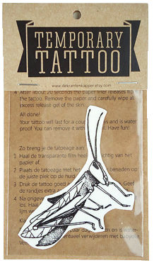 Tattoo sprinkhaan zwart