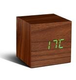 Click Clock cube walnoten hout met groene led