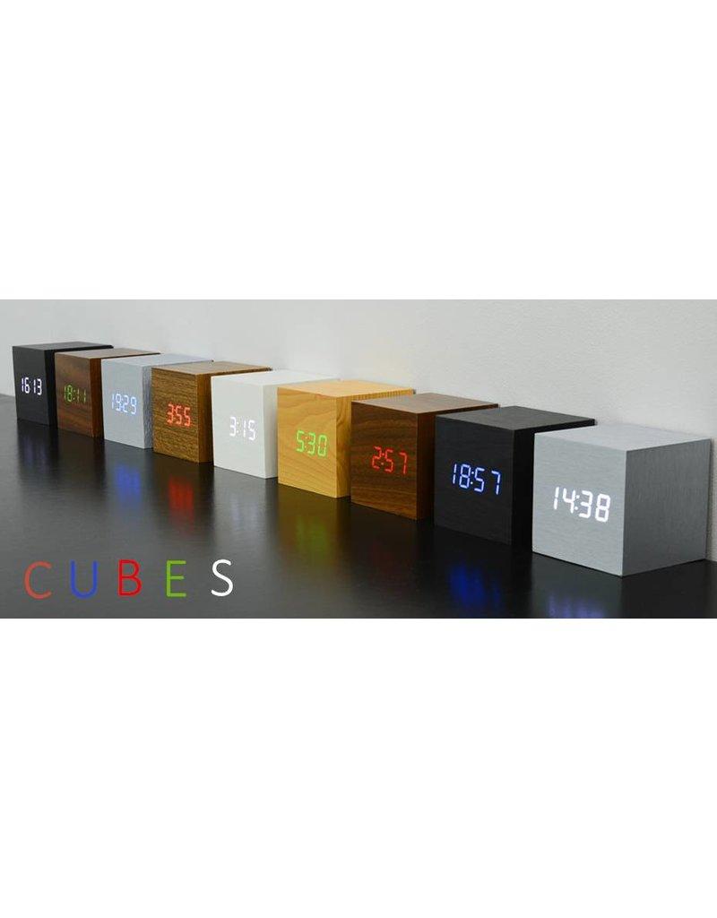 Click Clock cube aluminium met witte led