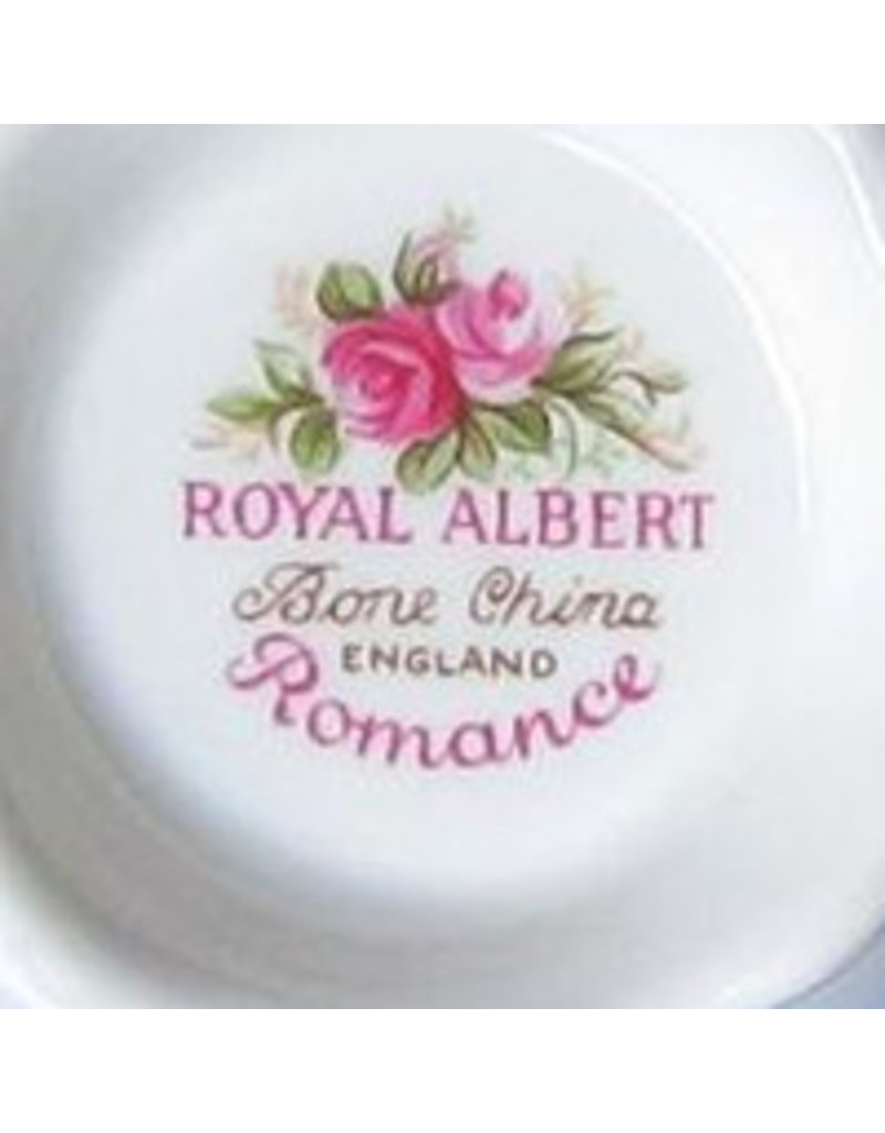 Antiek theekopje met kaars Royal Albert Romance