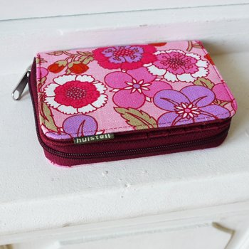 Practical purse Huisteil pink garden