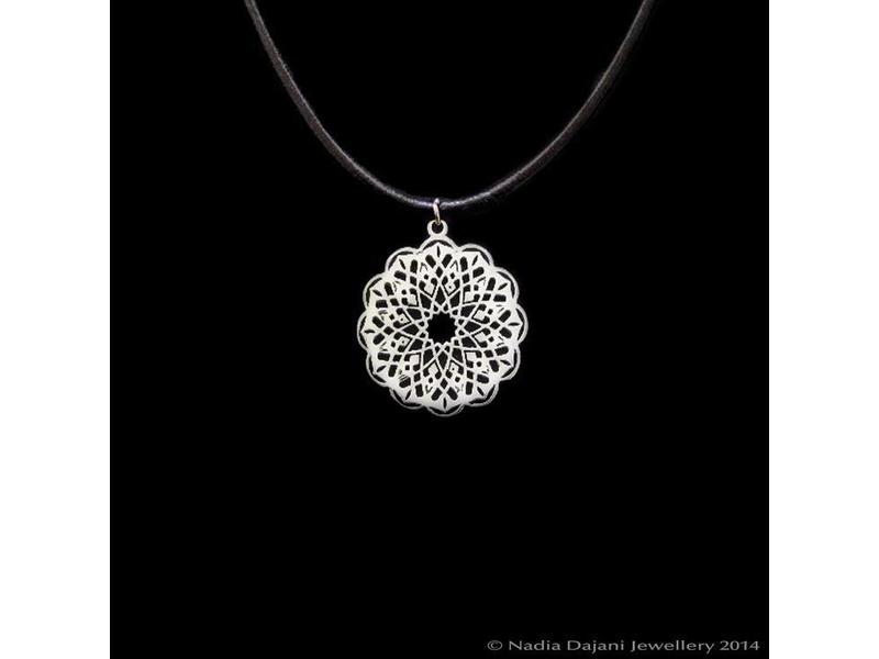 GEO CIRCLE NECKLACE ON LEATHER