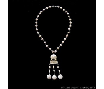 PEARL WIRE NECKLACE WITH ROMAN HAMMERED PENDANT