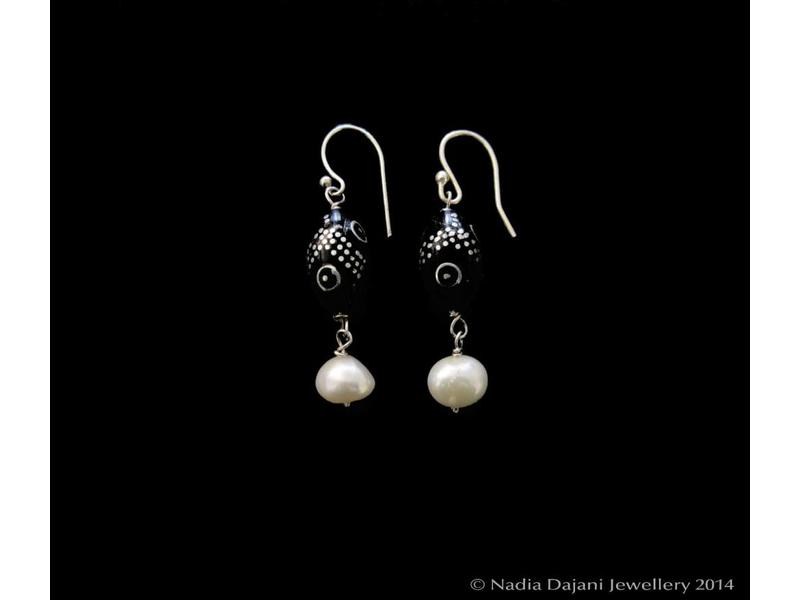 YOUSOR EARRING WITH PEARL DROP