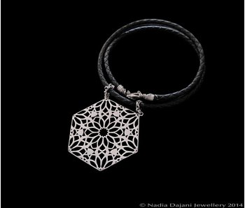 HEXAGON NECKLACE WITH LEATHER
