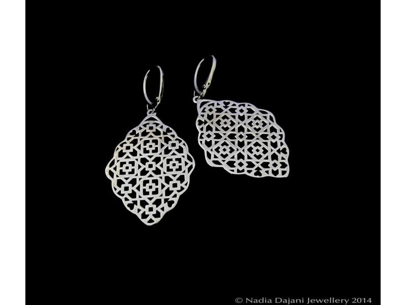 SILVER GEOMETRIC EARRING, FRENCH HOOK TOP