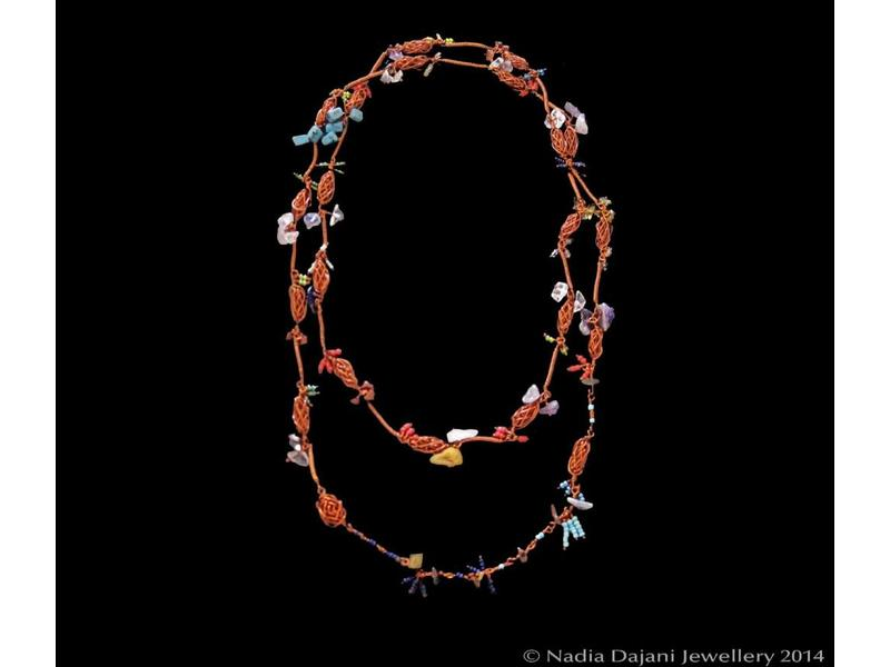 LONG COPPER NECKLACE WITH GEMSTONES AND BEADS