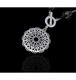 GEOMETRIC CIRCLE NECKLACE WITH YOUSOR