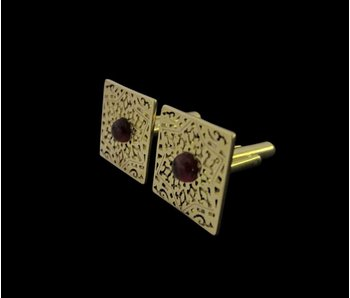 SQUARE ARABESQUE GARNET CABOCHON CUFFLINKS