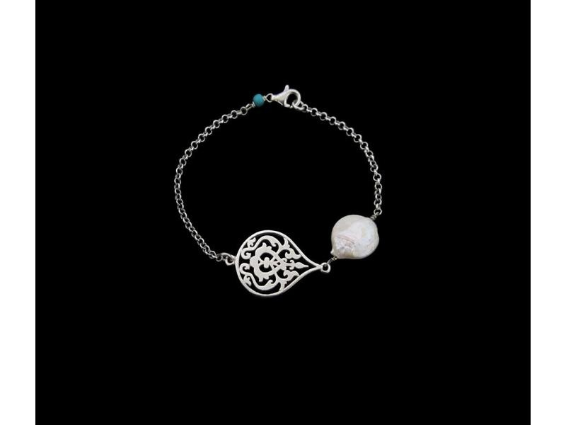 ARABESQUE BRACELET WITH PEARL