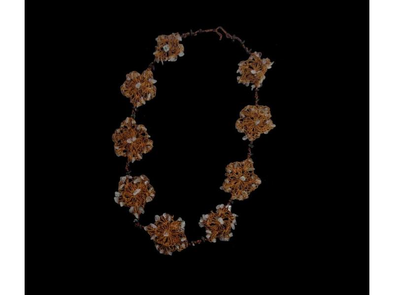 LONG LACE FLOWER NECKLACE TRIMMED WITH GEMSTONES
