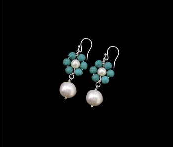 STONE FLOWER EARRINGS WITH PEARL DROP