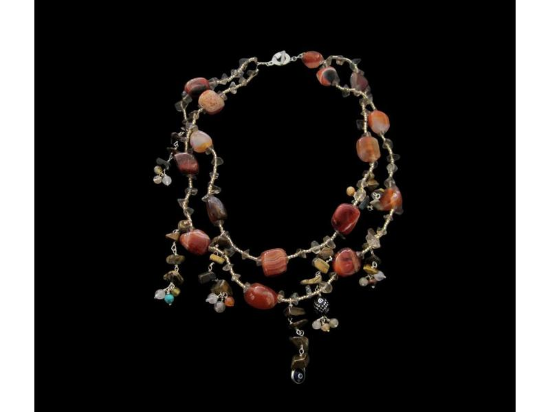 2-ROW SEMI-PRECIOUS STONE NECKLACE WITH CHARMS