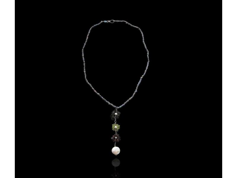 3-TIER FLOWER NECKLACE ON PEARLS