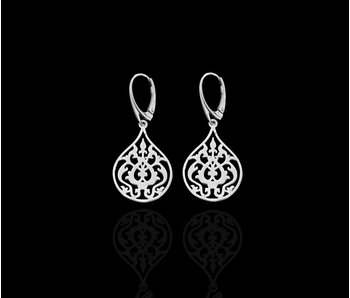 SMALL SILVER ARABESQUE ERG, FRENCH CLASP