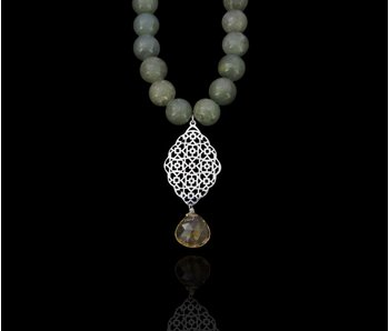 JADE NECKLACE WITH GEOMETRY PENDANT