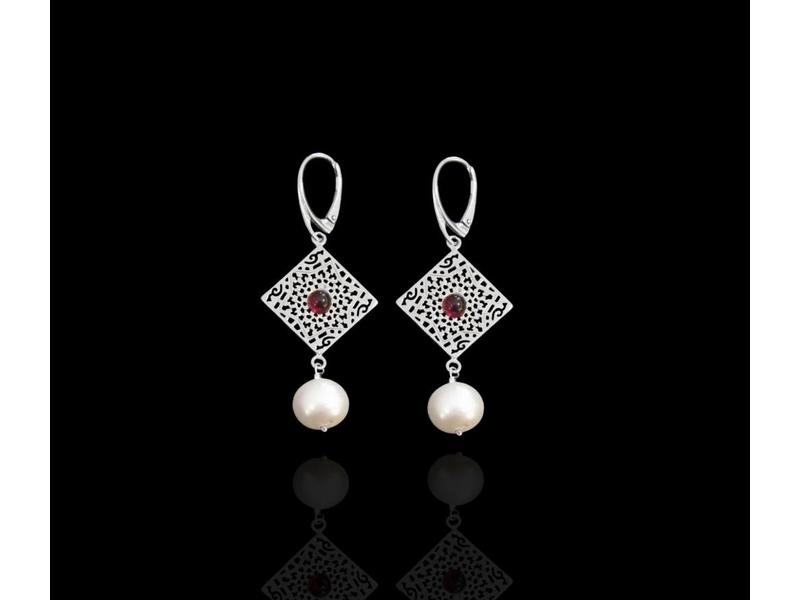 ARABESQUE SQUARE AND  STAR EARRINGS WITH CABOCHON SILVER