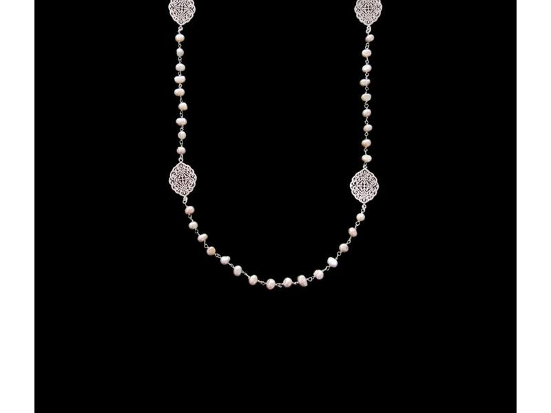 LONG PEARL NECKLACE WITH ARABESQUE OVALS