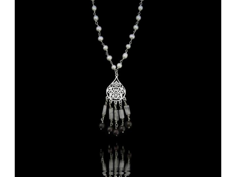 PEARL NECKLACE, SMALL ARABESQUE WITH TASSELS