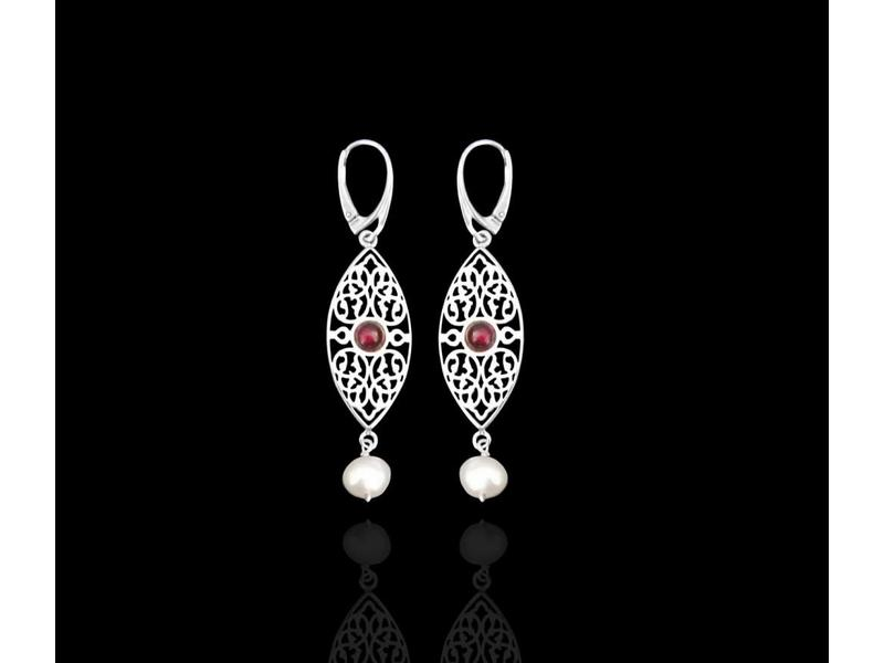 OVAL ARABESQUE WITH GARNET CENTRE AND STONE DROP EARRINGS