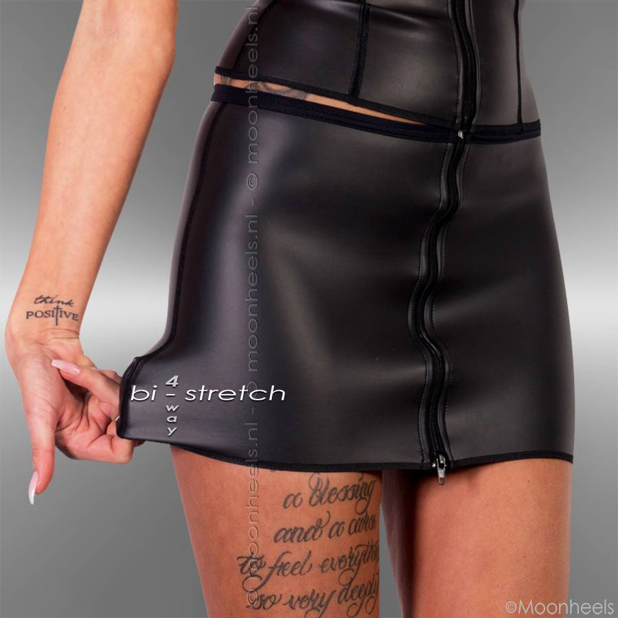 Kinky dress neoprene (rubber) with lacing lace on the front