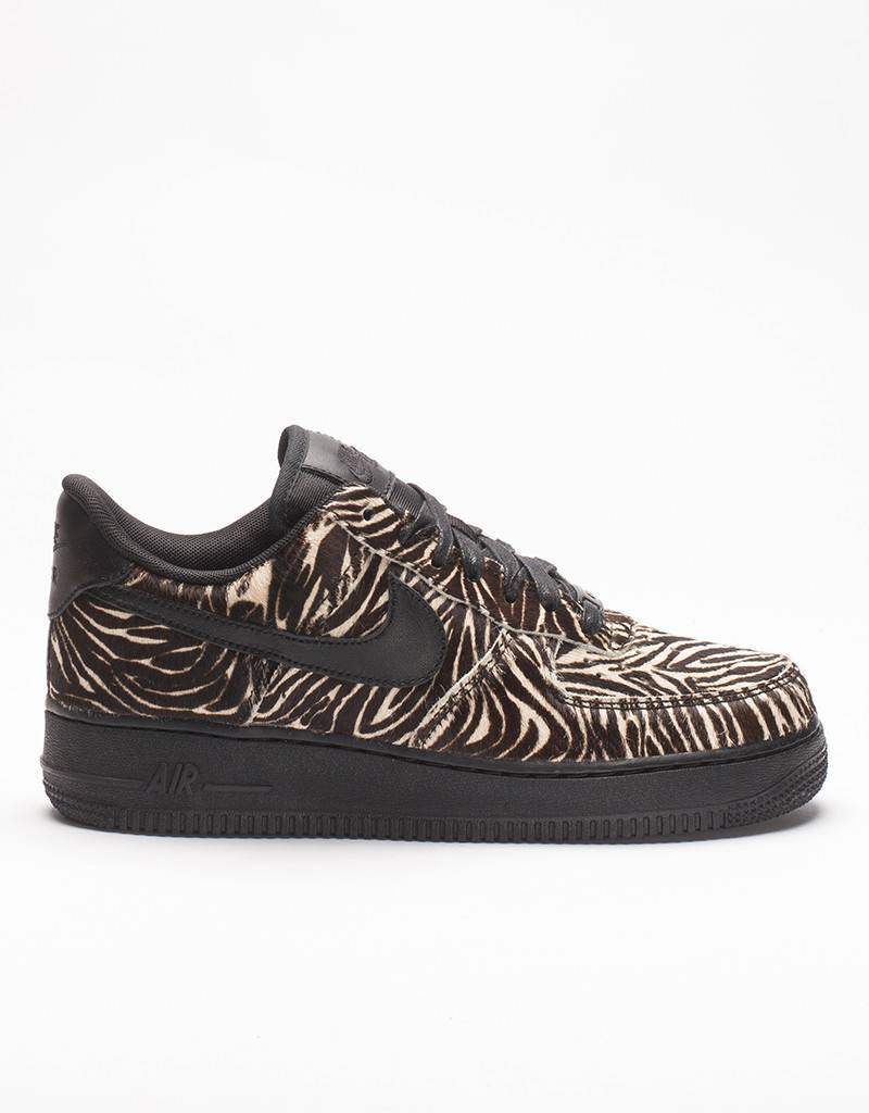 Nike women's air force 1 '07 LX black/black