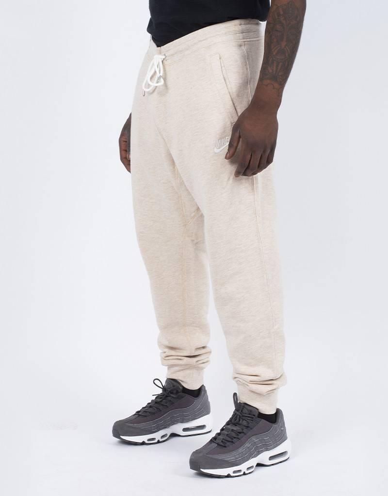 Nike legacy jogger oatmeal