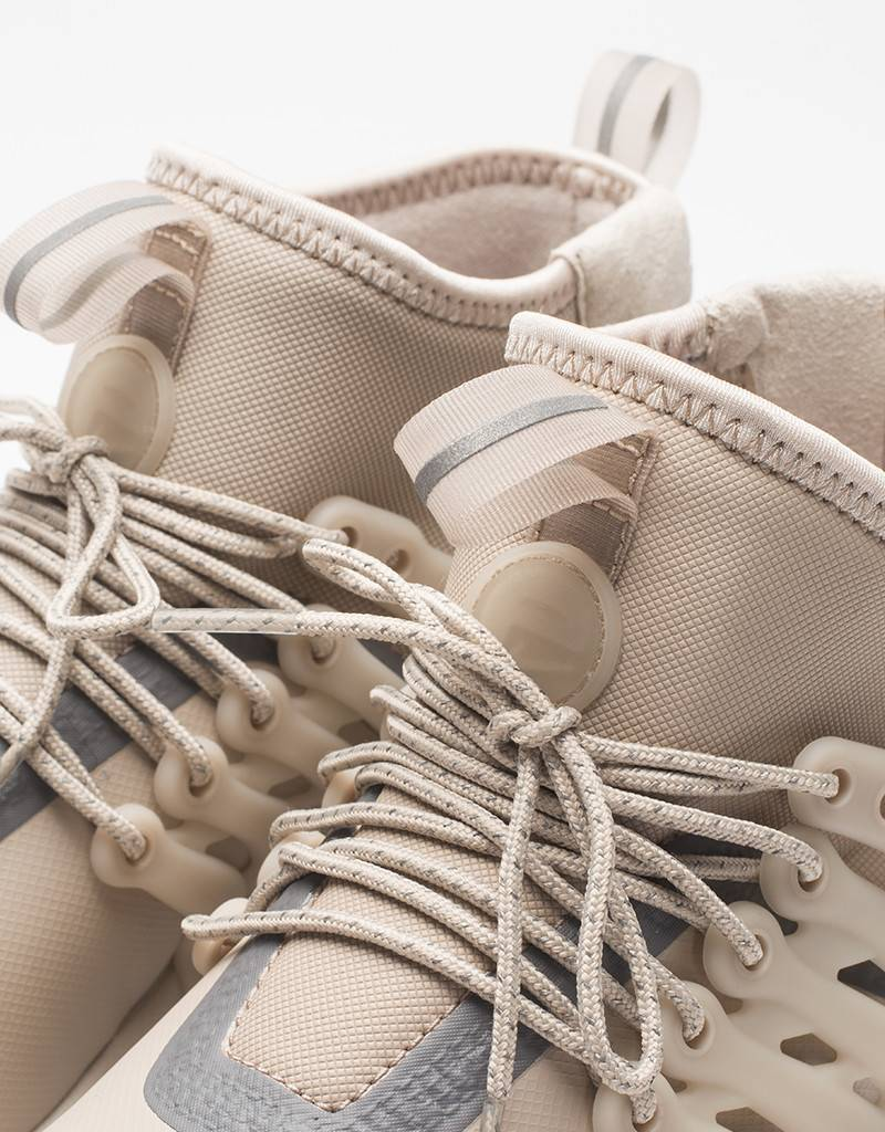 Nike Womens Air Presto Mid Top Utility Shoe String/Light Bone