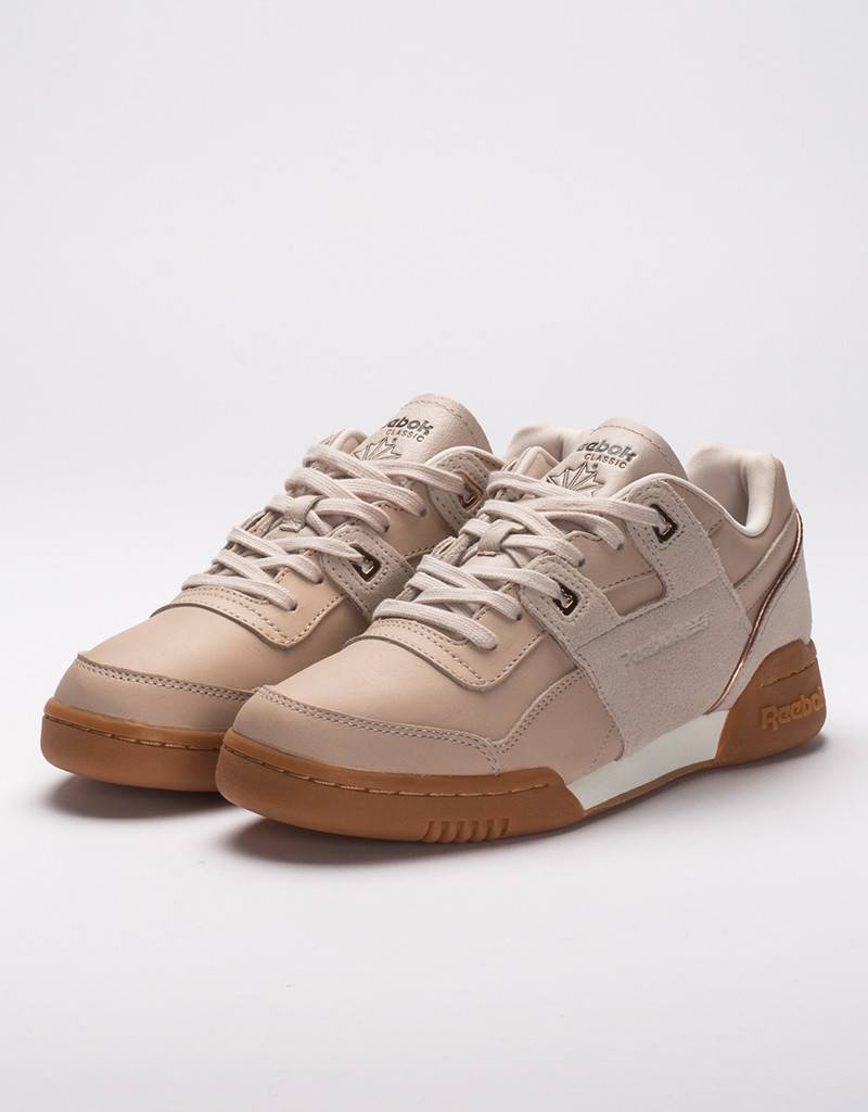 Reebok Reebok women's workout lo plus golden - Avenue Store