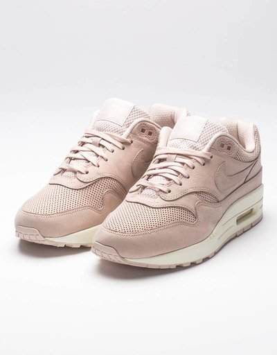 Nike women's air max 1 pinnacle salt red/salt red sail