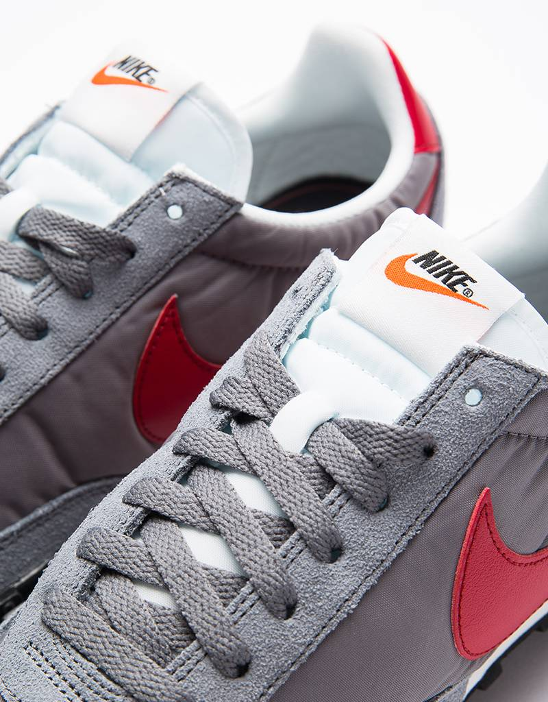 Nike Waffle Racer Cool Grey/Red-Summit White-Black