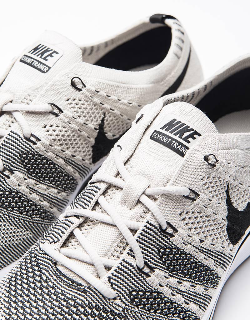 Nike Flyknit Trainer Pale Grey/Black White