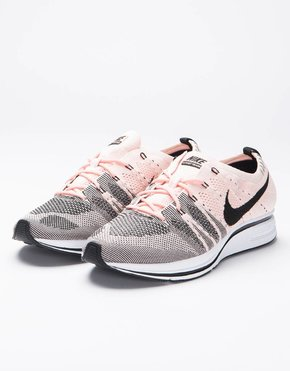 Nike Nike Flyknit Trainer Sunset Tint/Black White